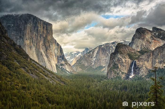 Fototapet av Vinyl Stormiga moln över Tunnel View i Yosemite - Teman