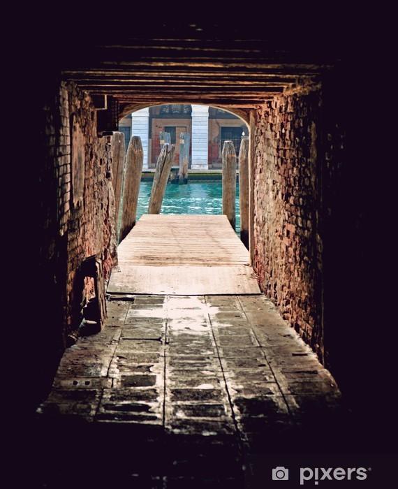 Fototapeta winylowa Wąska ulica w Wenecji - Tematy