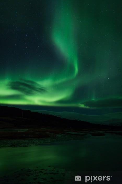 Vinilo Pixerstick Luces del Norte sobre laguna en Islandia - Maravillas de la naturaleza