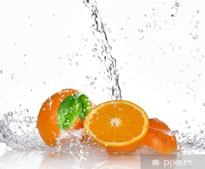 Vinyl Fotobehang Sinaasappelen met opspattend water - Bestemmingen