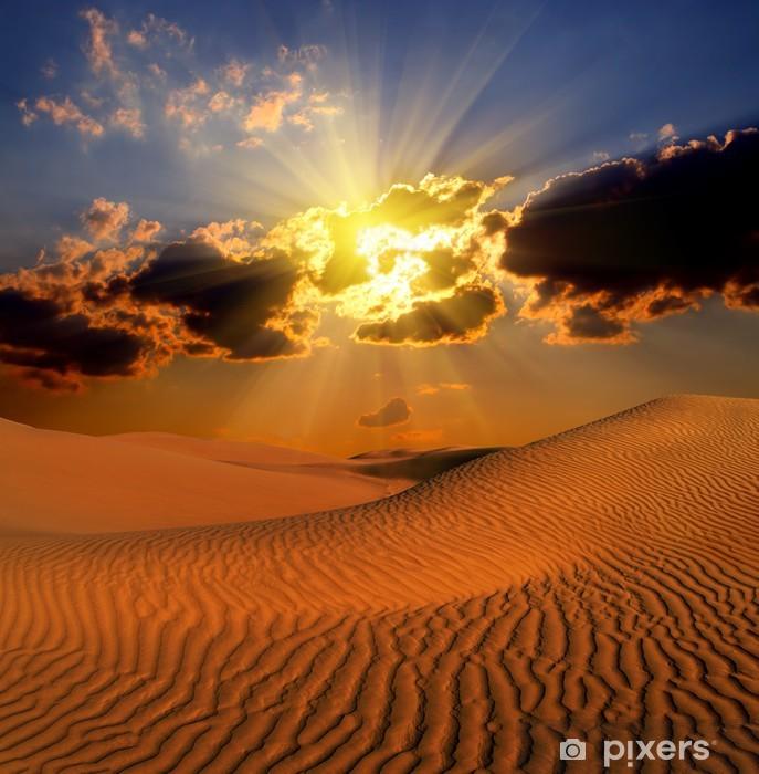 Fototapeta winylowa Dramatyczny krajobraz suset pustyni - Pustynia