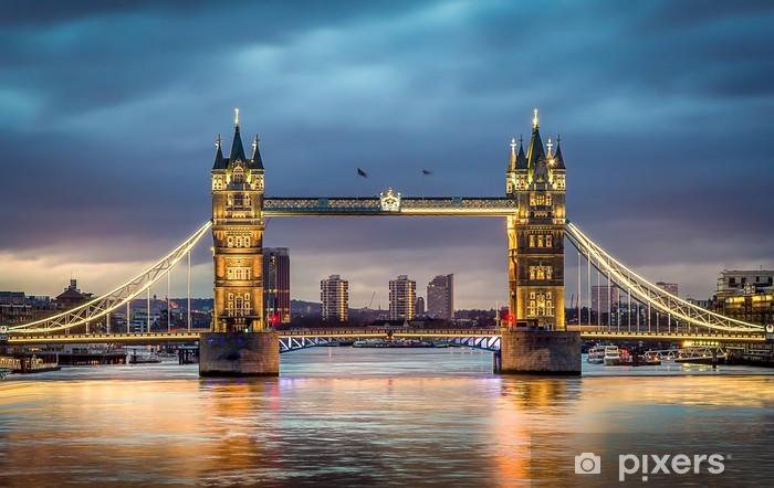 Papier peint vinyle Tower bridge coucher du soleil -