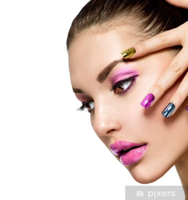 Smuk Fashion Girl's Face. Make-up og manicure Pixerstick klistermærke - Kvinder