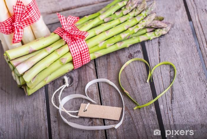 Fototapeta winylowa Zielone szparagi białe szparagi kocha - Przyprawy i zioła