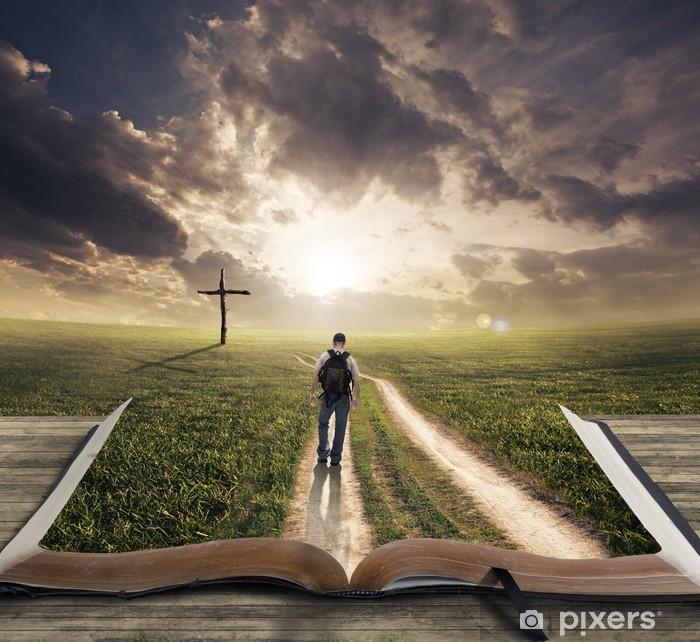 Naklejka Pixerstick Człowiek idzie na Biblii - Krajobraz wiejski