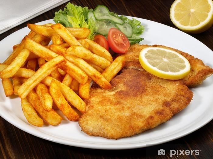 Vinilo Pixerstick Chuleta empanado con patatas fritas • Pixers® - Vivimos para cambiar