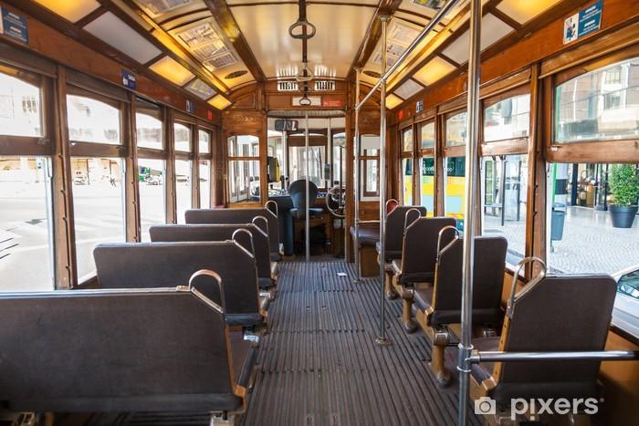 Fototapeta winylowa Wnętrze starego tramwaju Lizbona, Portugalia - Wakacje