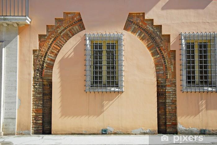 Naklejka Pixerstick Włochy, Ravenna stary budynek arkady - Europa