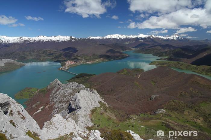 Sticker Pixerstick Montagnes, Embalse de Riano et Pico Pico Espigüete de Gilbo. - Autres Autres