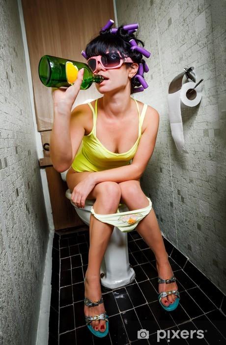 Pixerstick Sticker Meisje zit in een toilet - Verslaving