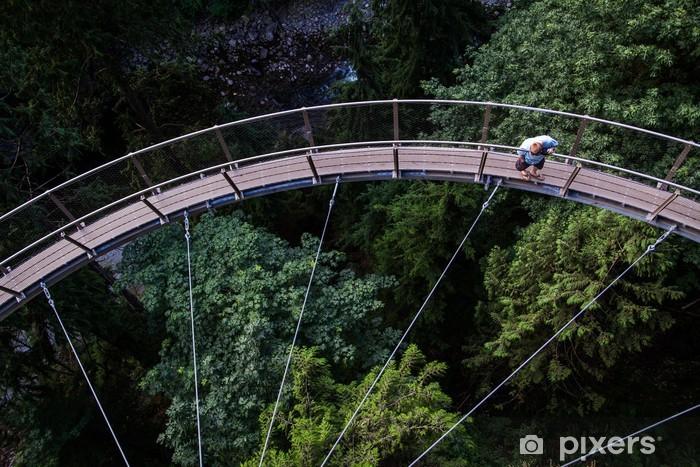 Fototapeta winylowa Capilano Bridge - Osoba oglądać poniżej - Ameryka