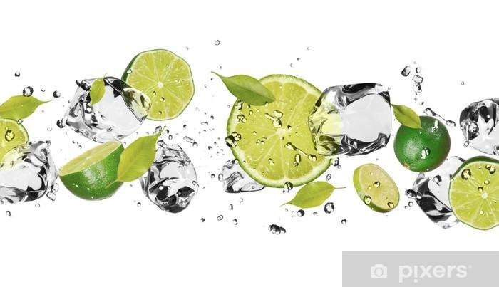 Fototapeta winylowa Lodu owoce na białym tle - iStaging