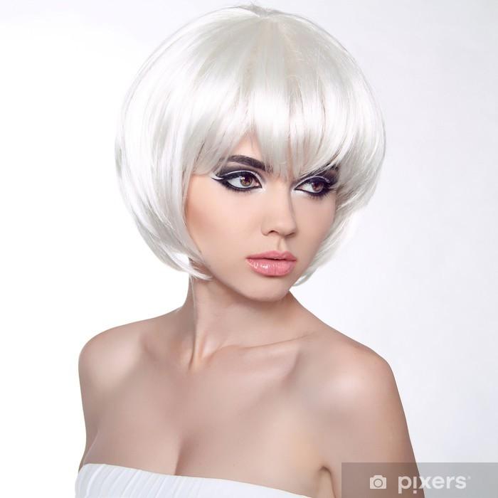 Carta da Parati in Vinile Moda ritratto con i capelli bianchi corti. Taglio  di capelli aec865b5c5a5