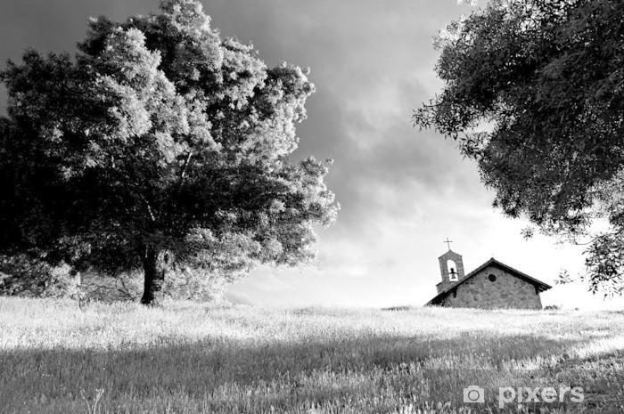 Sticker Pixerstick Chapelle à côté de grand arbre au sommet d'une colline d'herbe - B & W - Agriculture