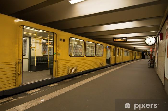 Vinyl Fotobehang U-Bahn-station - Berlijn