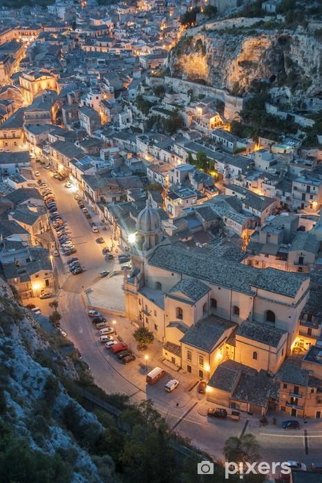 Fototapeta winylowa Włochy, Sycylia, krajobraz Scicli o zachodzie słońca - Pejzaż miejski