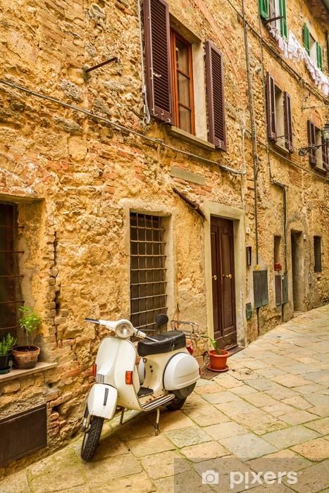 Pixerstick Aufkleber Vespa an einer kleinen Straße in der Altstadt, Italien - Vespa