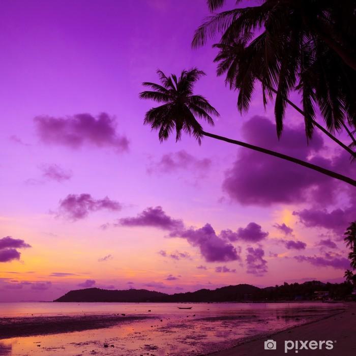 Naklejka Pixerstick Tropikalna plaża z palmami o zachodzie słońca, Tajlandia - Tematy