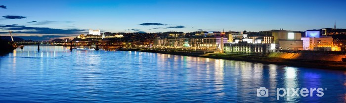 Carta da Parati in Vinile Città sul Danubio - Europa