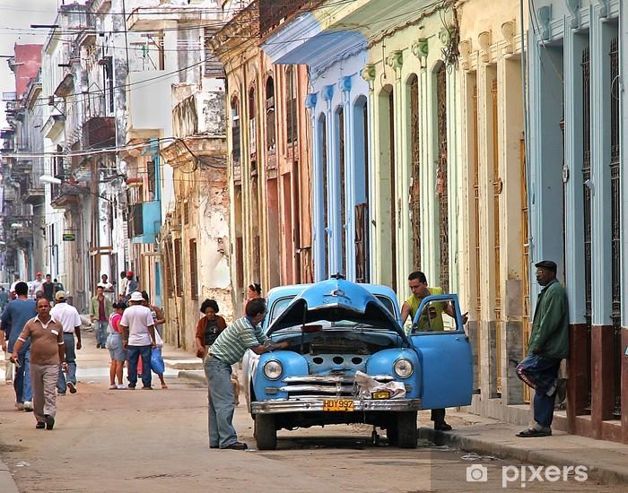 Fototapeta winylowa Utknęły w Hawanie - iStaging