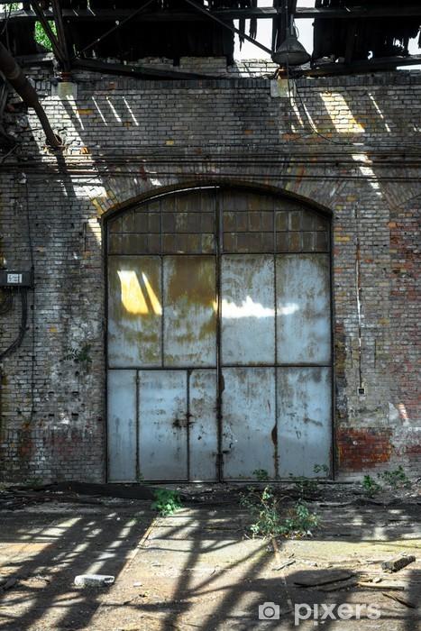Papier Peint Porte Industrielle D Une Usine Pixers Nous Vivons