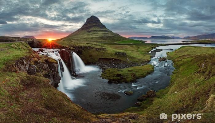 Sticker Pixerstick Islande Paysage de printemps panorama et le coucher du soleil - Thèmes