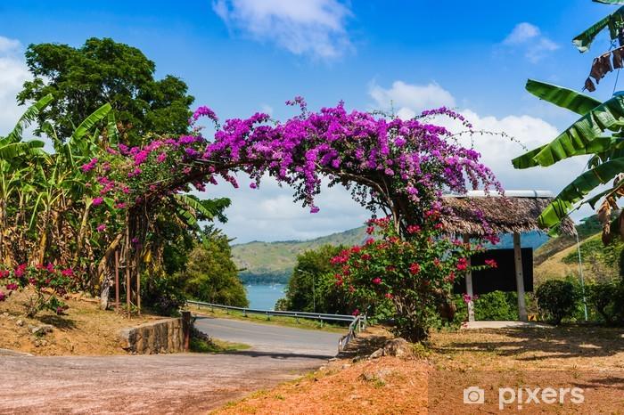 Sticker Pixerstick Arc de fleurs pourpres en Thaïlande - Campagne