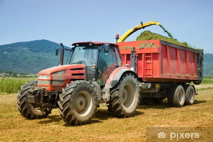 Fototapeta winylowa Czerwony ciągnik rolnictwo - Przemysł