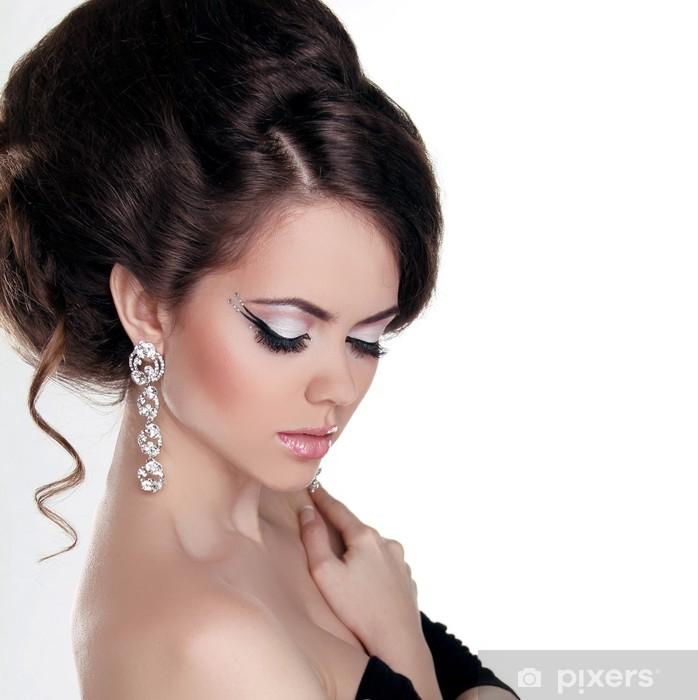 Naklejka Pixerstick Moda portret pięknej kobiety z fryzura i wieczorem m. - Kobiety