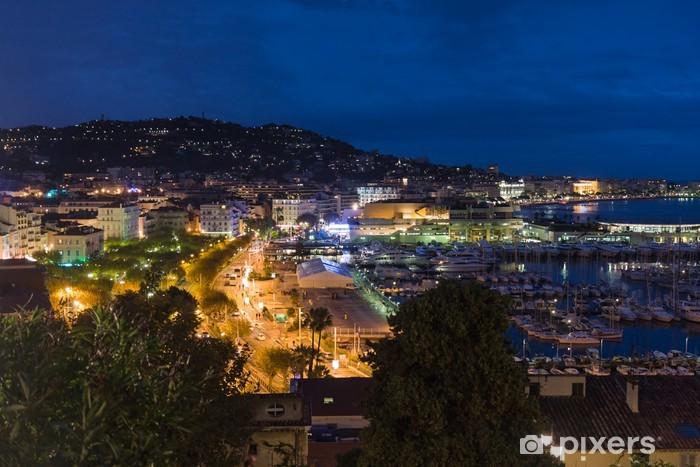 Papier peint vinyle Cityscape de nuit de Cannes, France - Europe