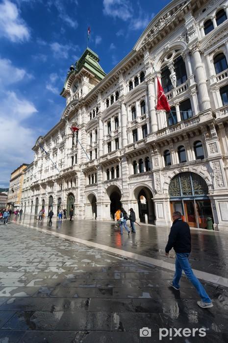 Nálepka Pixerstick Radnice palác a věž s hodinami v italském Terstu - Evropa