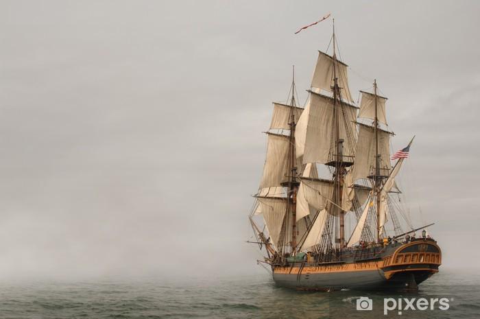 Carta da Parati in Vinile Fregata a vela d'epoca in un banco di nebbia - Temi