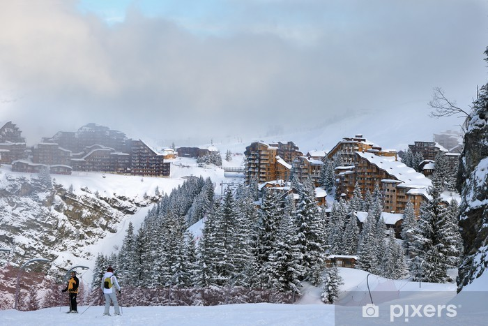 Sticker Pixerstick Village de montagne dans la brume - Vacances