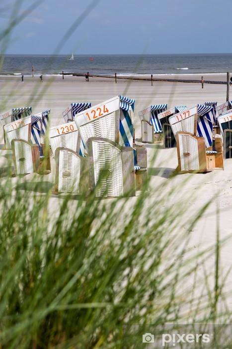 Strandkörbe und Dünengras am Strand von Norderney, Deutschland Pixerstick Sticker - Germany