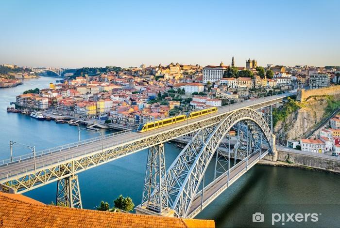 Vinilo Pixerstick Oporto con el puente Dom Luiz, Portugal - Europa
