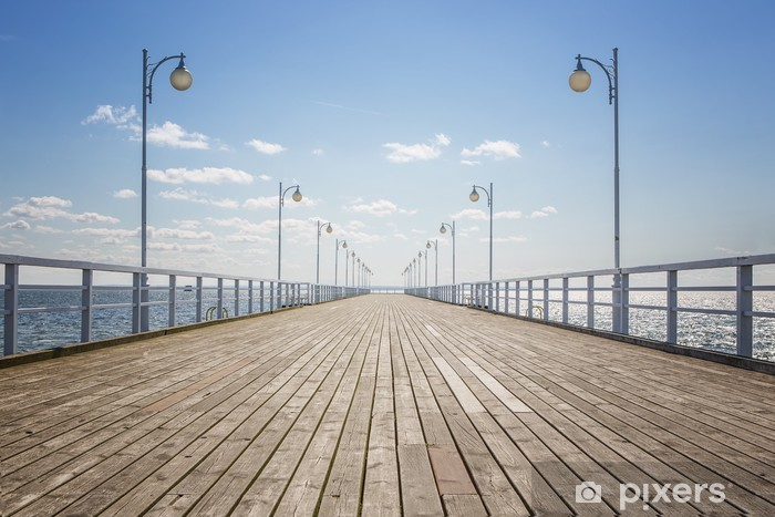 Papier peint vinyle Vieux quai en bois vide sur le rivage de la mer, avec copie espace - Styles