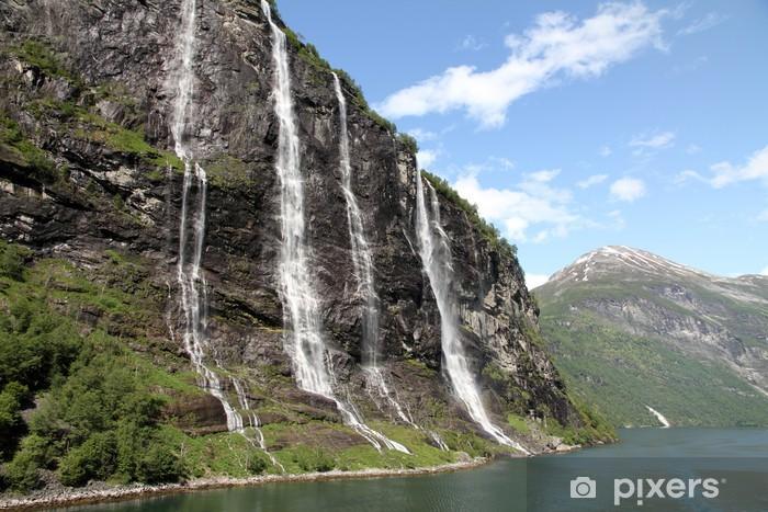 Papier peint vinyle Les sept sœurs cascade, le fjord de Geiranger, Hellesylt Norvège - Thèmes