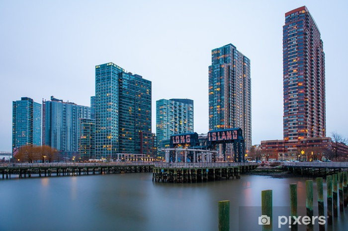 Sticker Pixerstick Les bâtiments de Long Island en face de l'East River - Villes américaines
