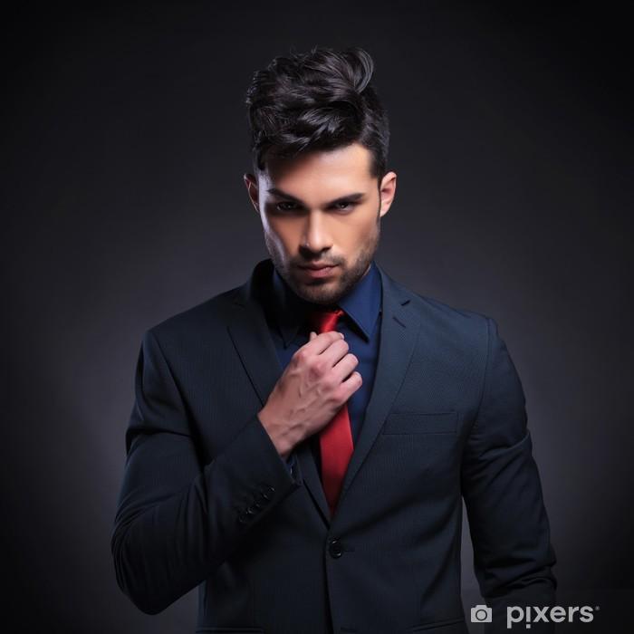 Sticker Pixerstick Homme d'affaires arranger sa cravate - Au travail
