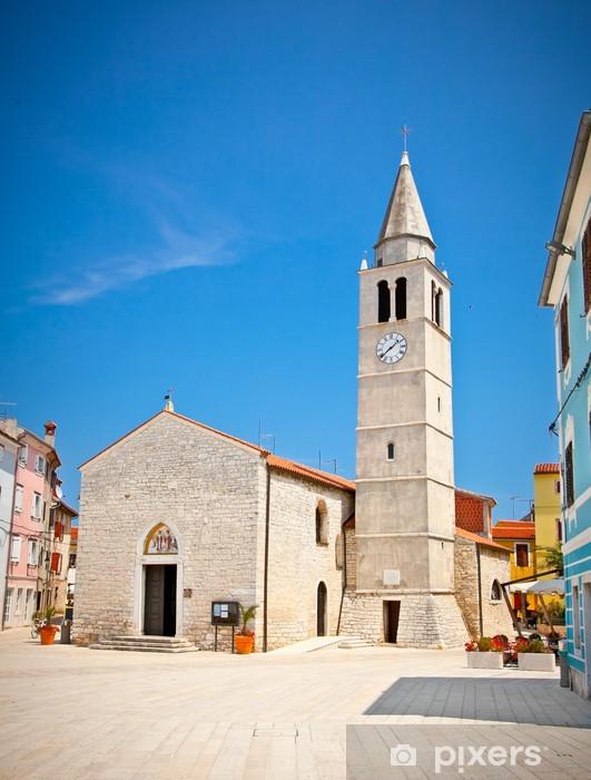 Papier peint vinyle L'église paroissiale de St.Cosmas et Damian dans Fazana - Europe