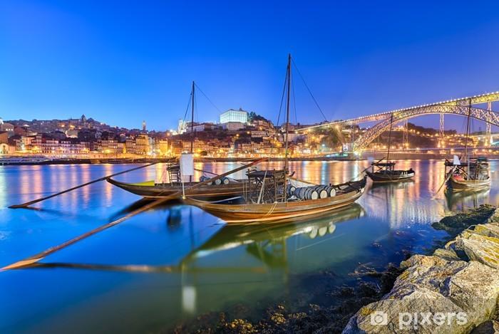 Vinylová fototapeta Tradiční portské víno dopravní lodě v Porto, Portugalsko - Vinylová fototapeta