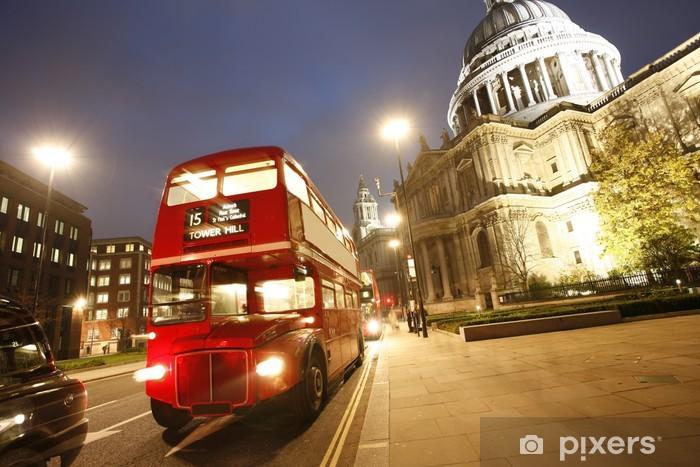 Papier peint vinyle Londres Routemaster Bus et la cathédrale Saint-Paul dans la nuit - Thèmes