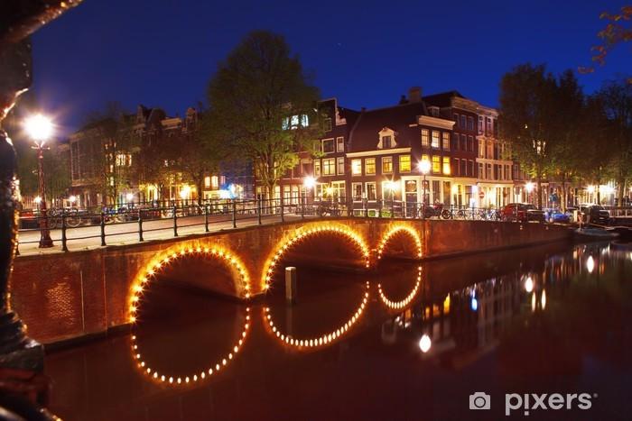 Fototapeta winylowa Noc w Amsterdamie - Miasta europejskie