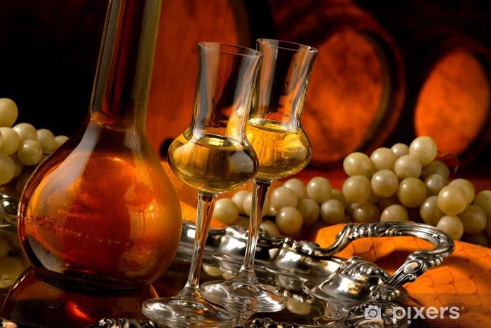 Papier peint vinyle Brandy dans une cave à vin - Alcool