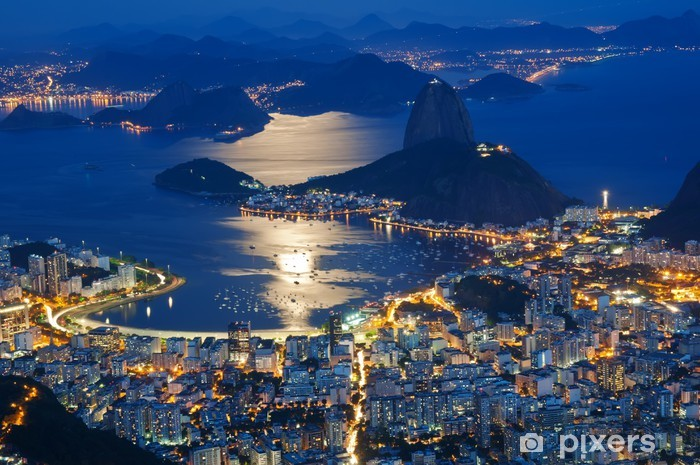 Vinyl Fotobehang Nacht uitzicht van de berg Sugar Loaf en Botafogo in Rio de Janeiro - Brazilië