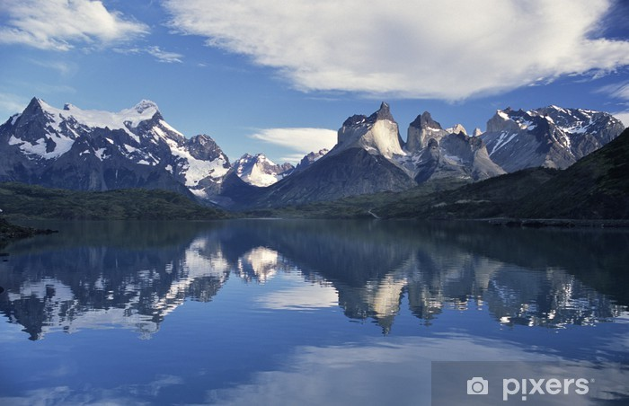 Naklejka Pixerstick Rogi i refleksji, Torres del Paine - Ameryka