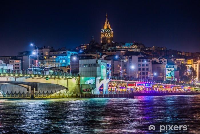 Fototapeta zmywalna Widok z wieży Galata w Stambule, a i most w nocy - Tematy