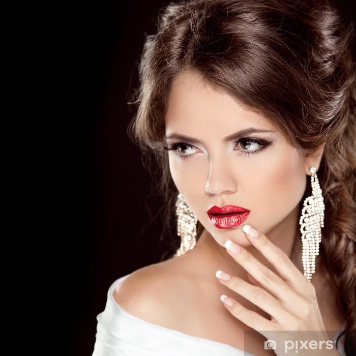 e757e05fd1 Fototapeta winylowa Luksusowe modne dziewczyny i Biżuteria. Make up.  Fryzura. Elegancki -