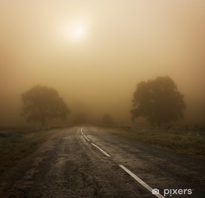 Sticker Pixerstick Paysage d'automne avec des arbres et de la route dans le brouillard - Saisons