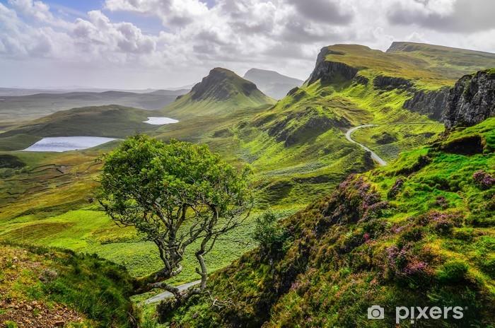 Vinyl-Fototapete Szenische Ansicht der Quiraing Berge in Isle of Skye, schottische Hoch - Themen
